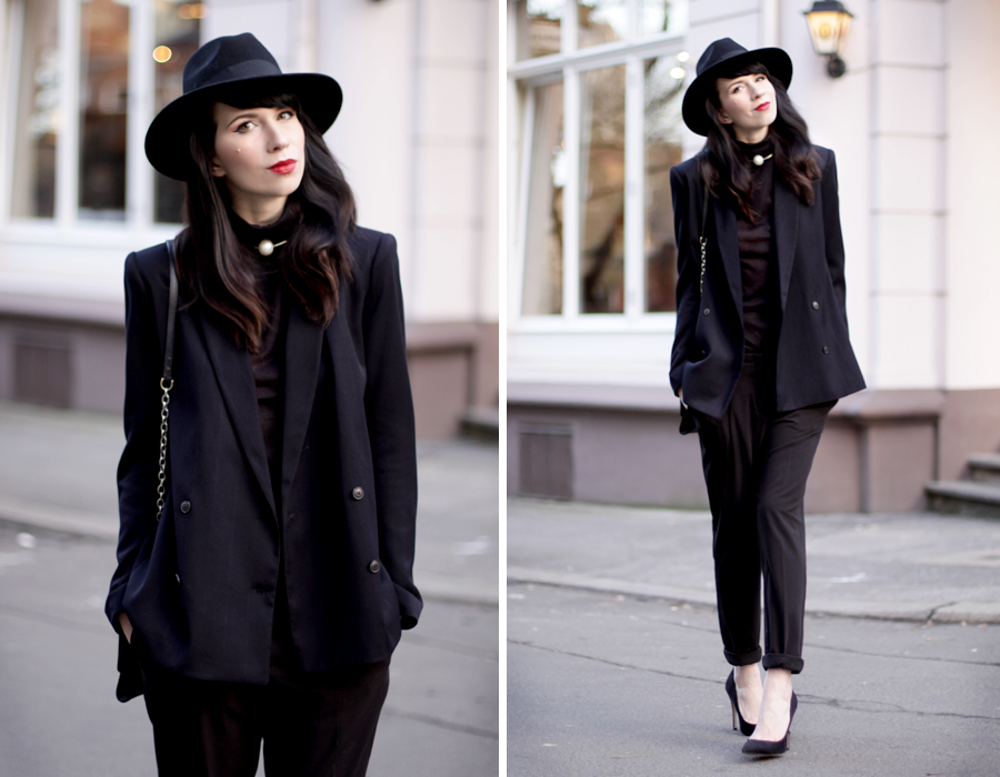 black outfit ysl yves saint laurent hat high heels suede suit boyish blazer fashion fashionblogger ricarda schernus cats and dogs blog berlin hannover 1