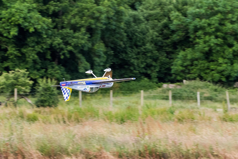 Phil and the Carden Yak - inverted and low, very low!!