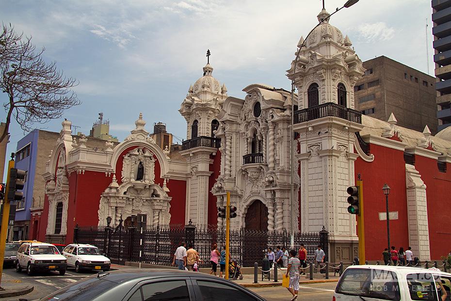 A Lima street scene.