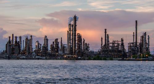 sunset ferry louisiana unitedstates neworleans mississippiriver refinery