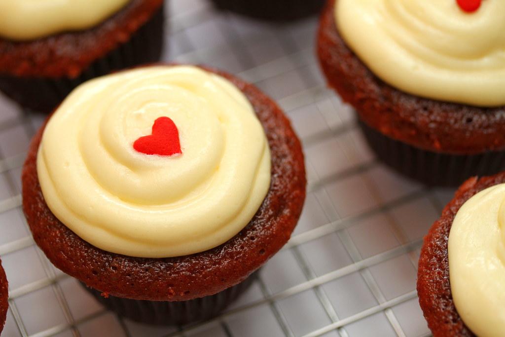 Super Moist Red Velvet Cupcakes