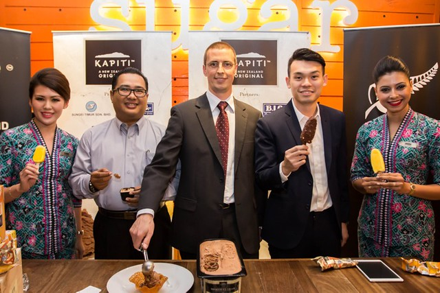 Launch of Kapiti Ice Cream - En Shamsul Amree from MAS, Mr Matt Ritche New Zealand Trade Commissioner and Mr Darren Tan from Sungei Timur flanked by MAS stewardesses