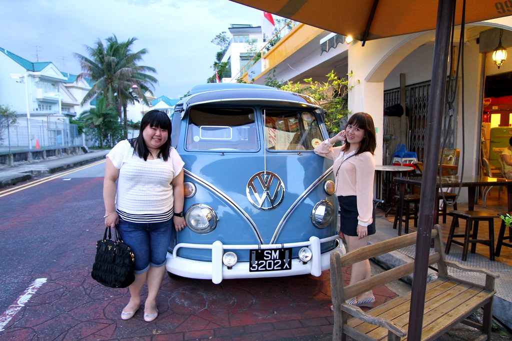 Maureen and friend at Kombi Rocks Shop Front
