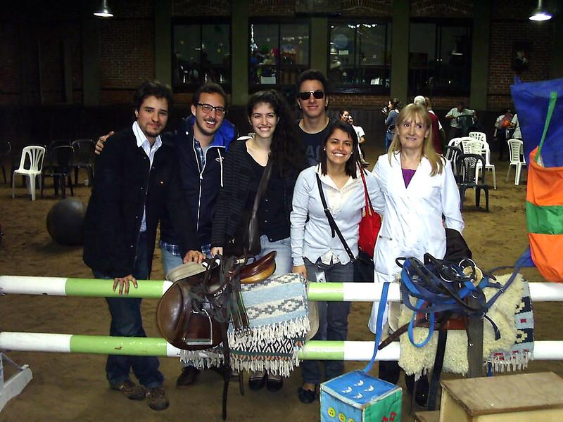 20 Rotaract de Belgrano con los elementos donados