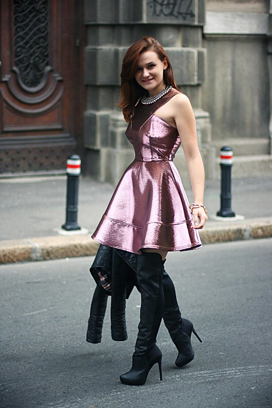 topshop metallic skater dress 3, metallic dress, fit and flare dress, jennifer lopez metallic dress and knee high boots