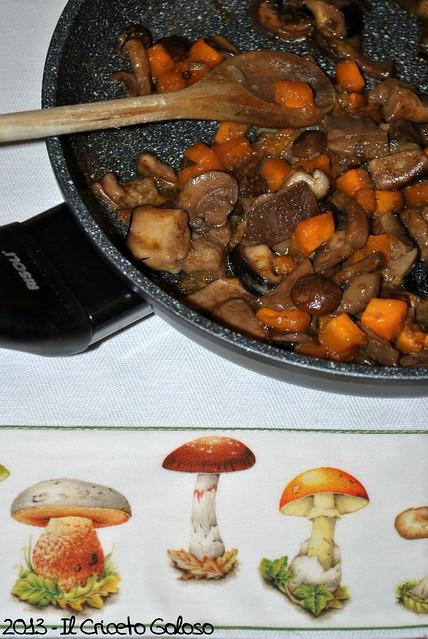 Garganelli con funghi, zucca e amaretti (1)