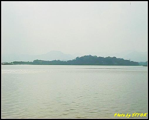 杭州 西湖 (其他景點) - 112 (從北山路湖畔的斷橋看西裡湖及孤山)