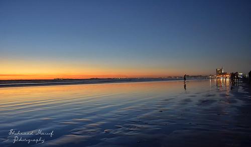 city blue pakistan light sunset sea sky love beach mall golden evening nikon waves cityscape peace feel deep hour harmony karachi clifton sindh defence seaview dolmen {vision}:{outdoor}=099 {vision}:{sky}=099 {vision}:{clouds}=099 {vision}:{ocean}=089 {vision}:{car}=0726 {vision}:{sunset}=0952