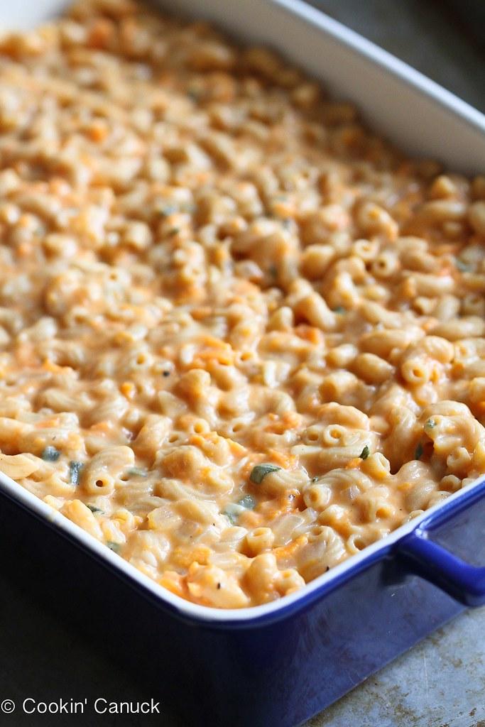 SweetPotatoMaLight Sweet Potato Mac 'n Cheese Recipe | cookincanuck.com #recipe #vegetariancnCheese4