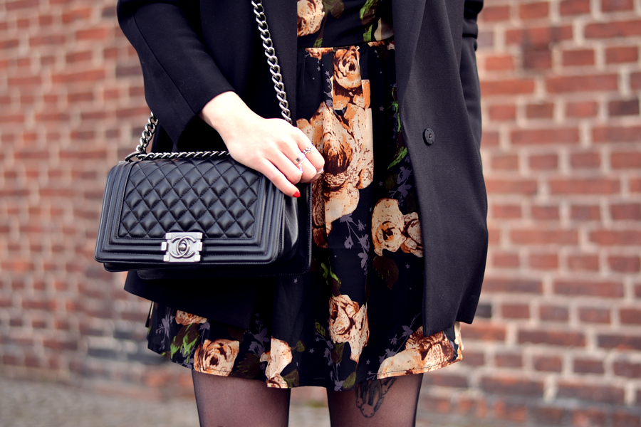 Sacha shoes Poppy Lux dress H&M coat Chanel bag outfit ootd CATS & DOGS fashion blog Berlin 2