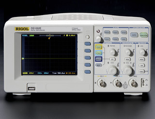 1 GS/s Digital Storage Oscilloscope + Extras - DS1052E