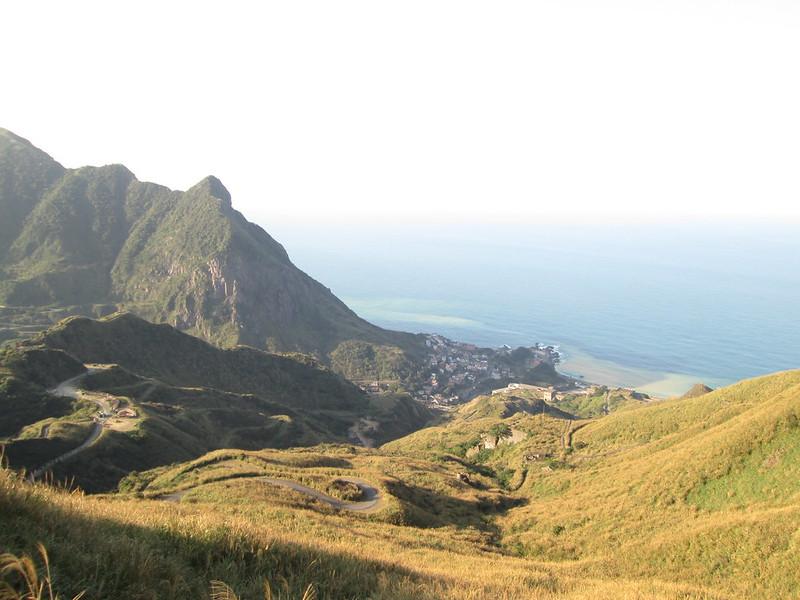 茶壺山登山口往陰陽海方向拍過去。