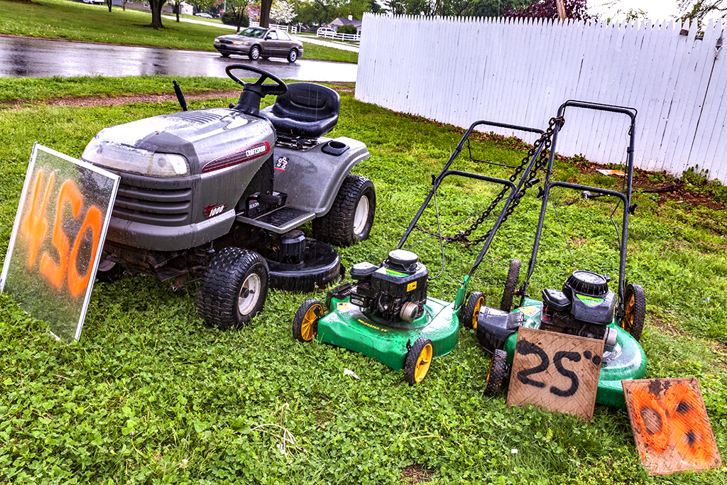 Lawn-mowers-for-sale-on-5-10-14--Levittown-(PA)