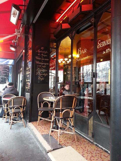 Sunday Search for Late Lunch in Paris 20th