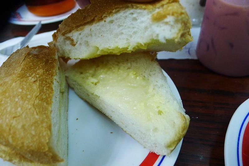 香脆奶油豬仔包 (1)