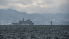 USS Green Bay (LPD 20) approaches Fleet Activities, Sasebo. (U.S. Navy/MC3 Scott Barnes)