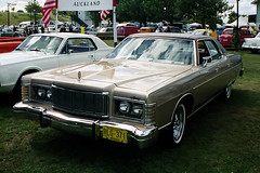 lincoln continental mark v(0.0), automobile(1.0), automotive exterior(1.0), lincoln mark series(1.0), vehicle(1.0), full-size car(1.0), antique car(1.0), sedan(1.0), land vehicle(1.0), luxury vehicle(1.0),