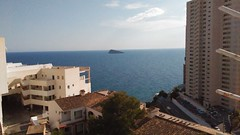 Fabulosas vistas al mar y a la isla de Benidorm. Consulte precio a su inmobiliaria en Benidorm, Asegil www.inmobiliariabenidorm.com