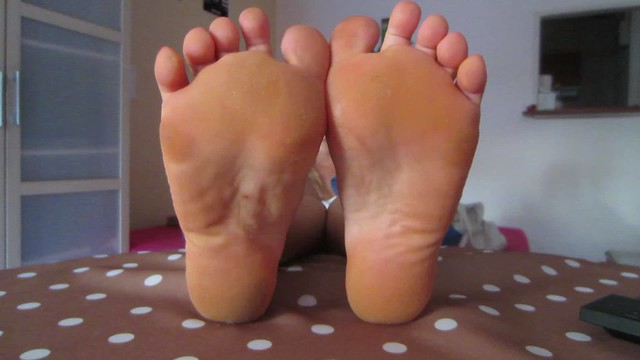 The mysterious woman soles size 7