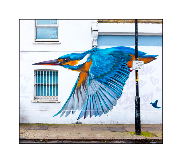 Graffiti (Vibes), South East London, England.