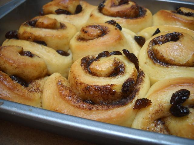 cinnamon raisin rolls | Flickr - Photo Sharing!