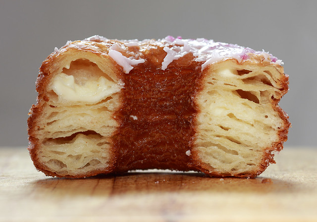 Cronut (cross-section)