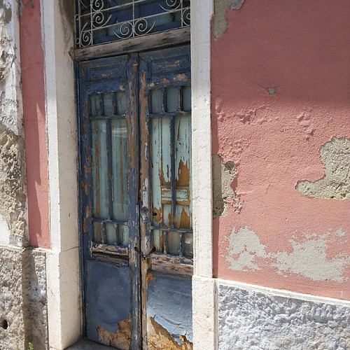 #doors #doorsworldwide #doorsonly #doors_p #decay by Joaquim Lopes