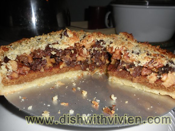 Walnut-Raisin-Pie12