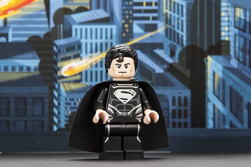 San Diego Comic Con 2013 LEGO Exclusive Minifigure - Black Suit Superman