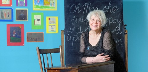 Review – Liz Lochhead: Apple Says Aaah – and Other Poems, Pommes and People