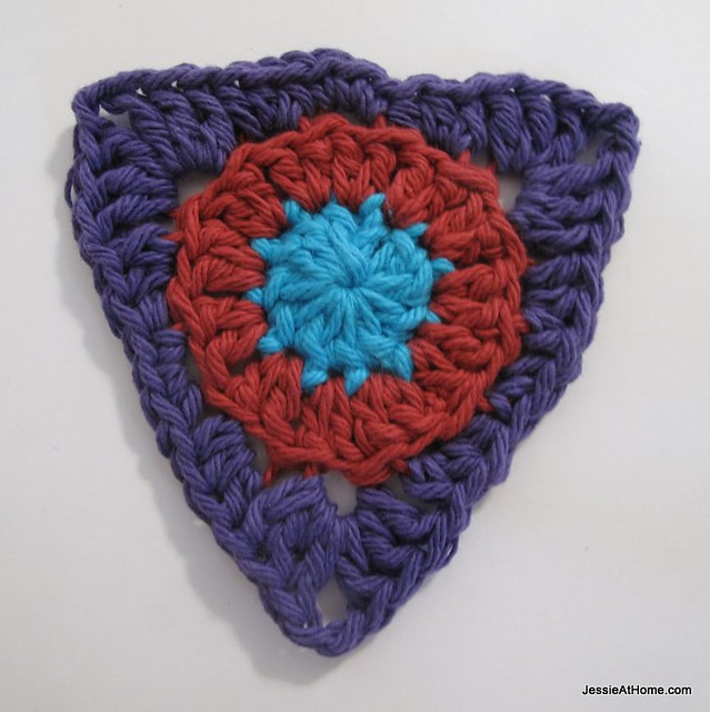 circle-to-triangle-bunting-round-three