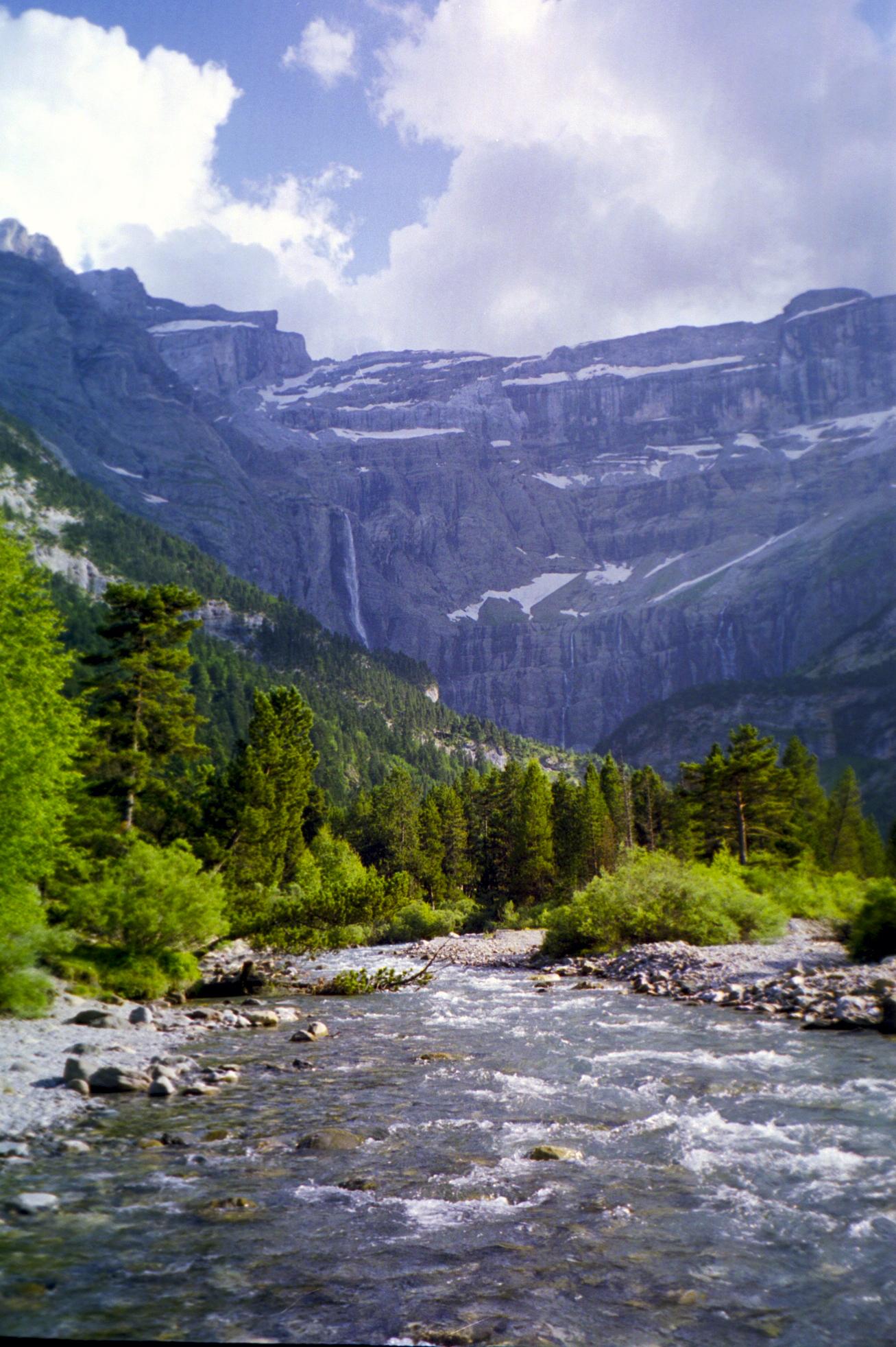 12. Río y cascada de Gavarnie. Autor, Nicolas Bayou
