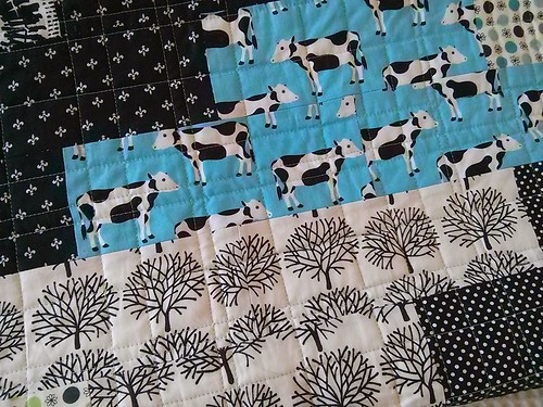 Cow quilt blue detail