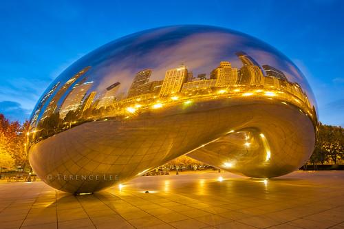 selfportrait chicago sunrise reflections illinois twilight chitown bean milleniumpark bluehour millenniumpark cloudgate thebean windycity chicagobean houseofbeans beantheredonethat thechicagobean