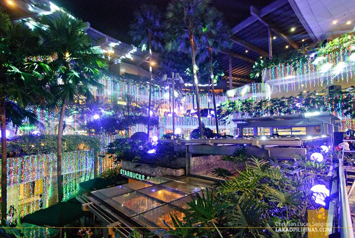 Metro Manila Christmas Lights Sparkle At Trinoma Mall
