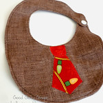 Super Easy Reversible Bib, A Free Pattern
