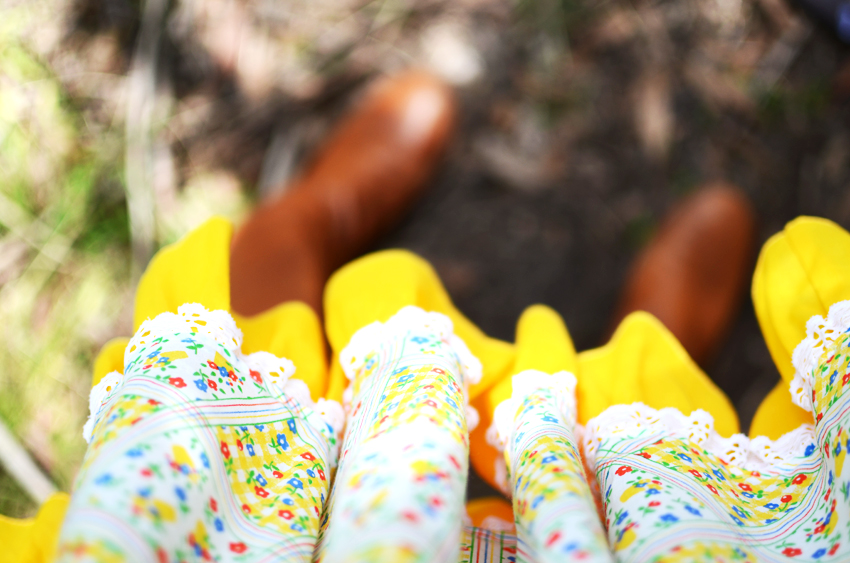 vintage-yellow-sqaure-boots a