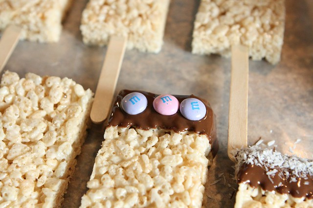 RICE KRISPIES DIPPER TREATS 008