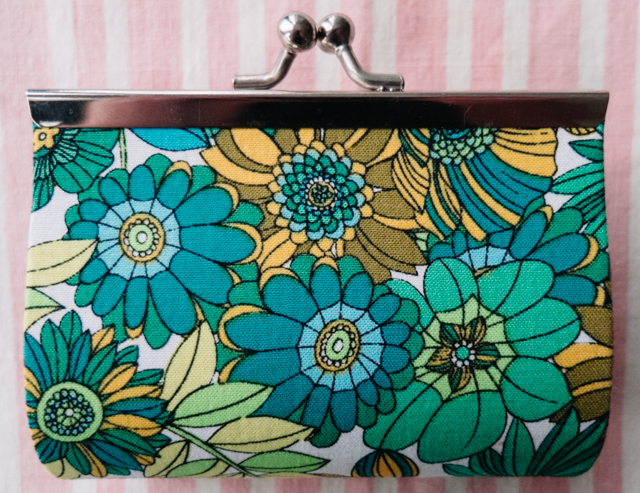 retro floral pattern purse