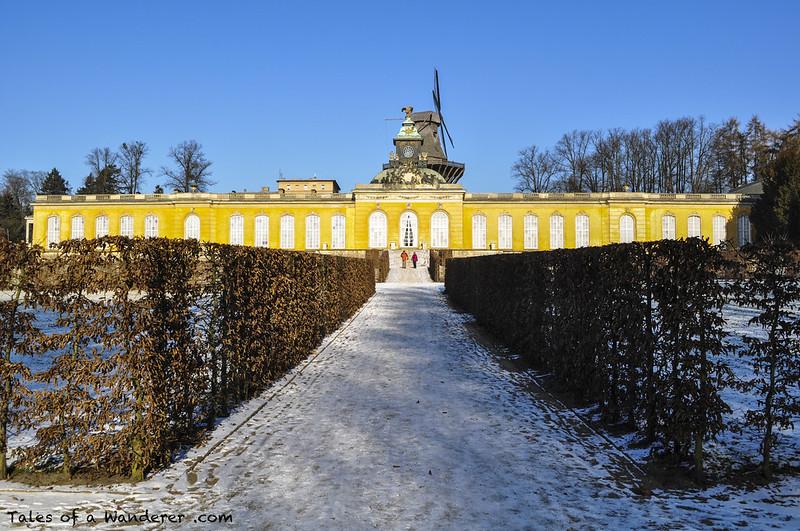 POTSDAM - Park Sanssouci - Neue Kammern / Historische Mühle von Sanssouci