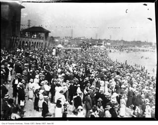 Image de Sunnyside Park Plage d'une longueur de 318 mètres. toronto ontario canada torontoarchives