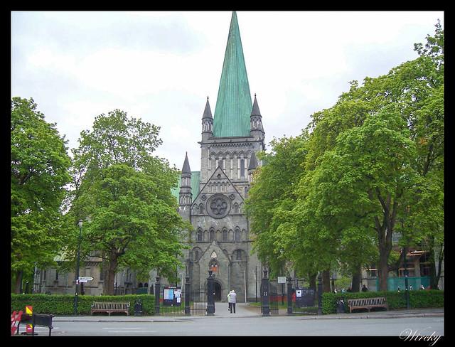 Fiordos noruegos Trondheim Vinjef Valsoy Halsa Molde Alesund - Catedral de Nidaros en Trondheim
