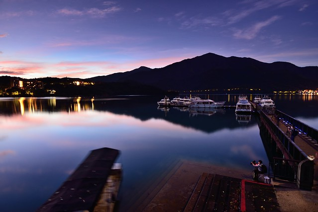 Dawn at Sun Moon Lake 明潭晨曦