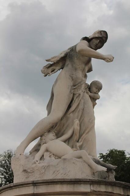 Jardin des Tuileries: statua