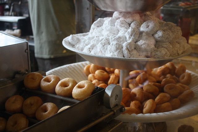 Daily Dozen Donuts