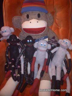 Monkeys-with-the-InsaniTea-monkey