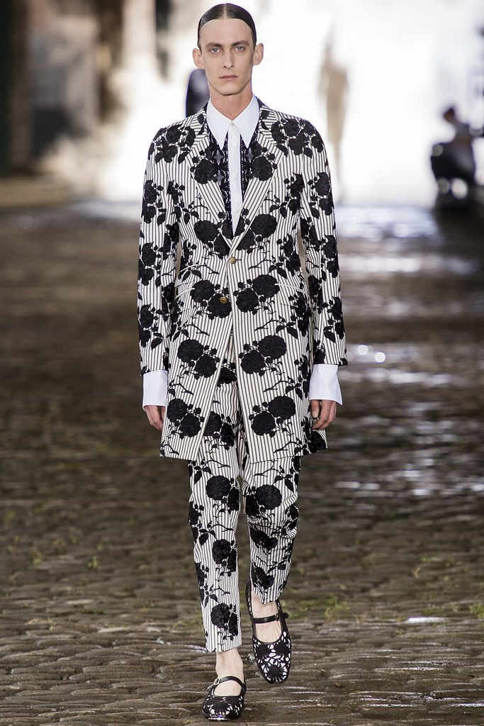 Elias Cafmeyer3113_SS14 London Alexander McQueen(vogue.co.uk)