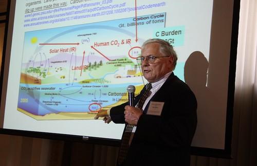 Снизить кислотность океанов поможет атомный реактор