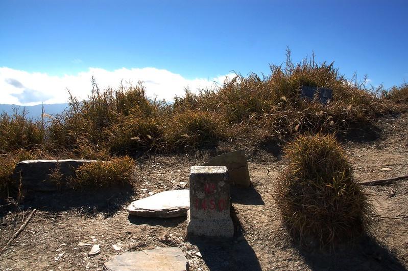 無明山二等三角點(# 1450 Elev. 3451 m) 4
