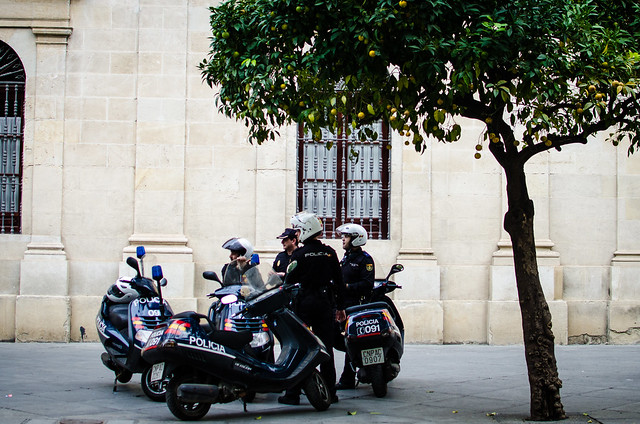 Policia in Sevilla ready to make a move once they receive the location of protests.